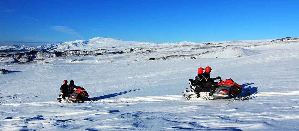 Motos de nieve en Islandia