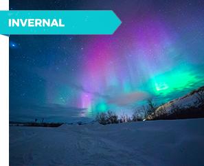 Aurora Boreal verde y rosada. Islandia