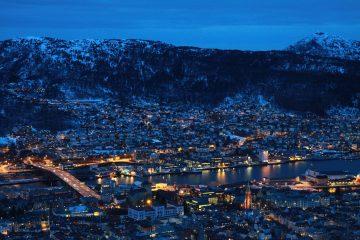Panorámica nocturna de Bergen