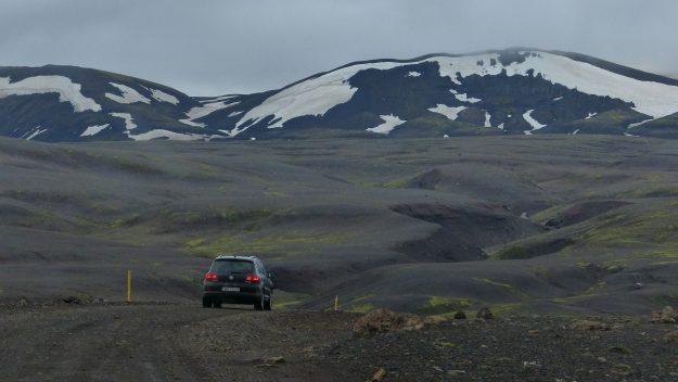 Viajar por Islandia - Coche por el interior - Autor: mirluc