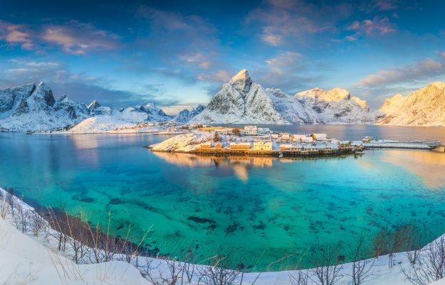 Paisaje de Islas Lofoten en invierno