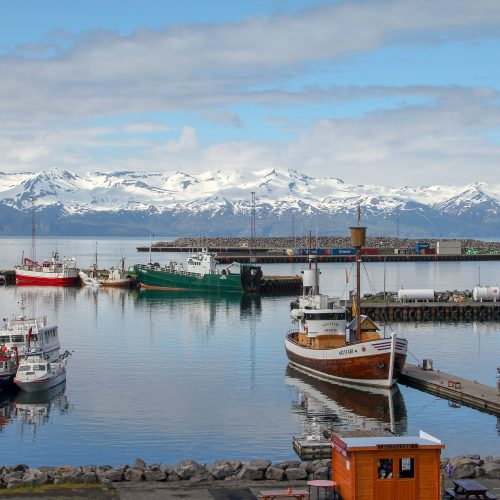 Vistas del puerto de Húsavík
