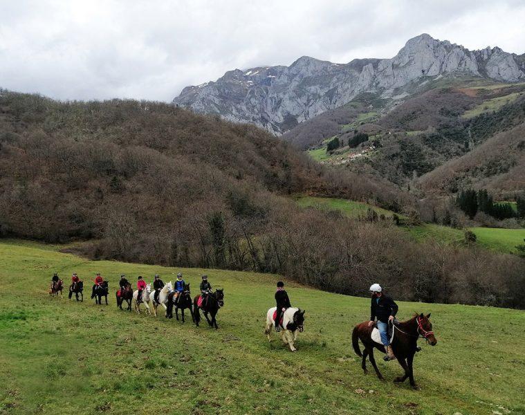 Ruta a caballo por Picos de Europa
