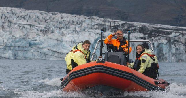 Navegación en la laguna glaciar de Jökulsárlón en Zódiac
