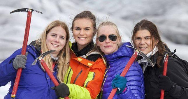 Paseo en el glaciar en Skaftafell - Islandia